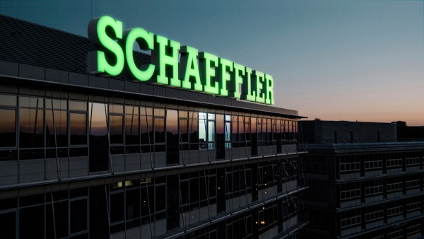 Schaeffler Pioneers of the North, Contacts